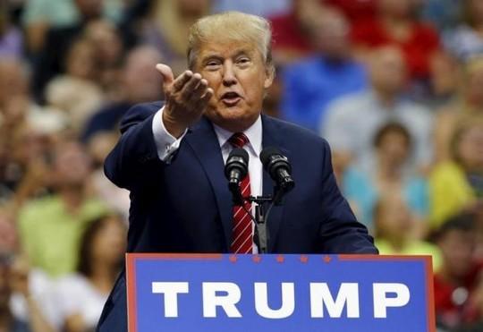"""11 ứng viên Cộng hòa tái đấu, tỉ phú Trump """"tả xung hữu đột""""?"""