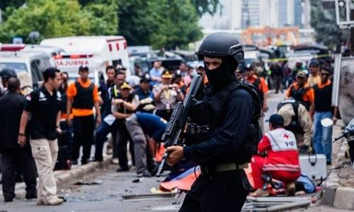canh sat tai hien truong mot dia diem bi is tan cong o thu do jakarta, indonesia hoi thang 1. anh:ap