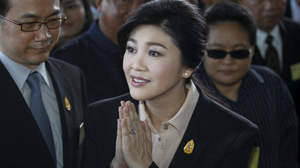 cuu thu tuong thai lan, ba yingluck shinawatra vua hau toa xung quanh cao buoc tham nhung - anh: reuters