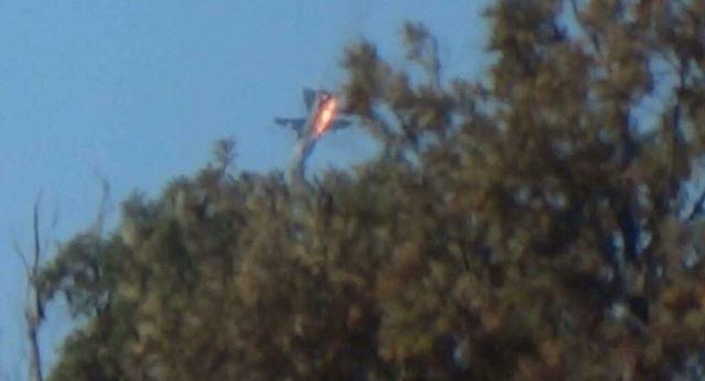 may bay su-24 cua nga boc chay sau khi bi phi cong tho nhi ky ban ha. anh: reuters