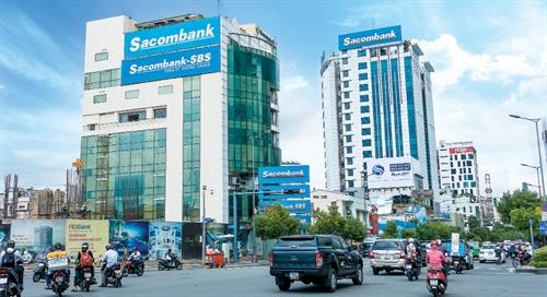 Duong Cong Minh tim kiem gi o Sacombank?