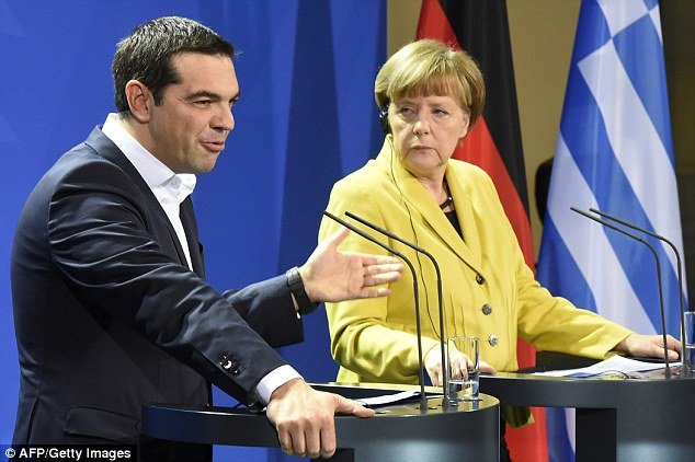 ba angela merkel (trai) va thu tuong hi lapalexis tsipras  anh:afp