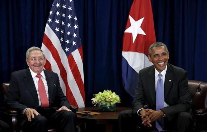 Vì sao Chủ tịch Cuba Raul Castrol phải 'nhún mình' trước Mỹ?