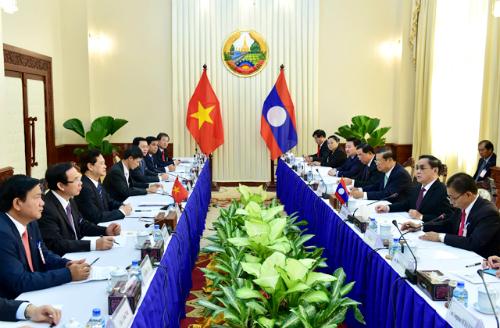 Việt Nam và Lào đặt mục tiêu thương mại 2 tỷ USD
