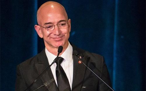 Sếp Amazon kiếm 7 tỷ USD trong 1 tiếng
