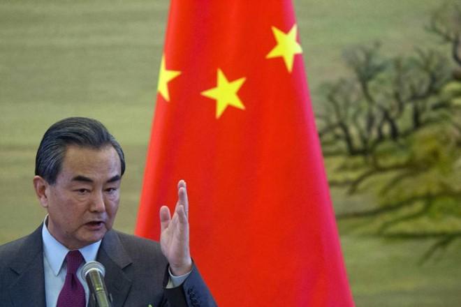 Trung Quốc 'chia để trị' ASEAN trước phán quyết Biển Đông