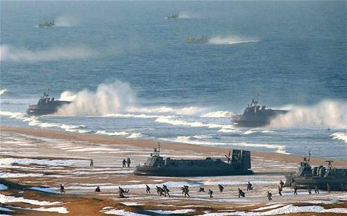 Hàn Quốc tố Triều Tiên điều tàu đổ bộ tới sát biên giới
