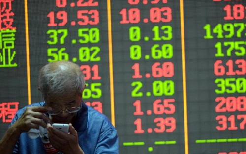 shanghai index hom nay co luc giam 4,5%. anh: reuters