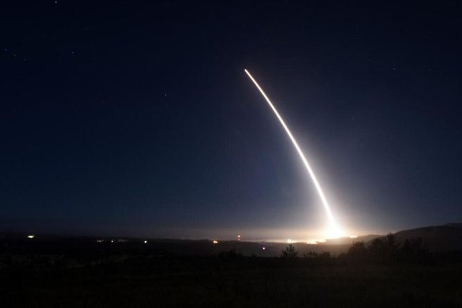 my ban thu ten lua minuteman iii hom 21-2 - anh: air force global strike command public affairs