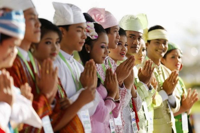 Cộng đồng ASEAN: Việt Nam đứng trước thuận lợi và thách thức gì?