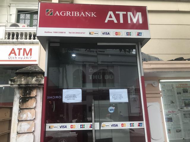Để không bị hack thẻ ngân hàng khi rút tiền từ cây ATM