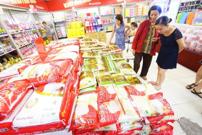 gao cua thai lan duoc ban tai sieu thi metro an phu, q.2, tp.hcm - anh: quang dinh