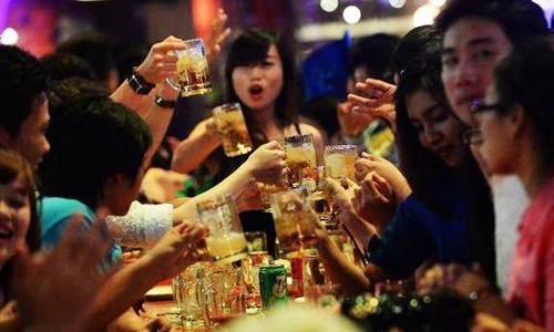 nguoi-viet-uong-3-4-ty-lit-bia-nam-2015