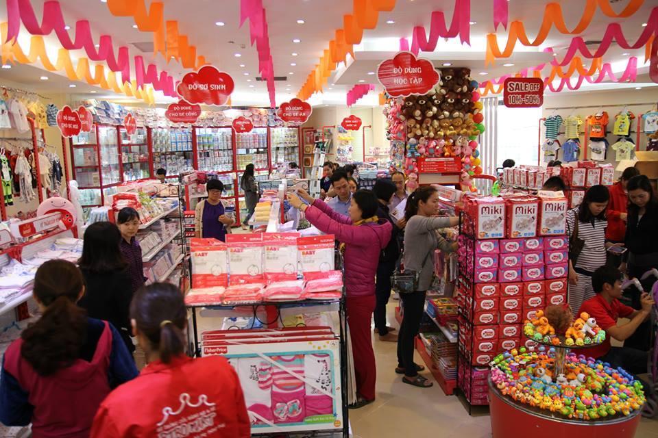 Nikkei: Cha mẹ Việt ngày càng 'mạnh tay' chi tiền cho con nhỏ