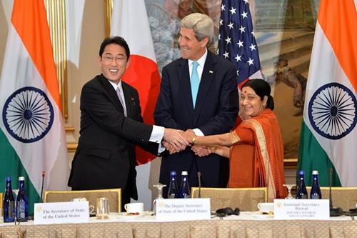 Nhật - Mỹ - Ấn bàn về Biển Đông