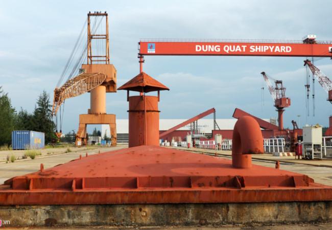 Cận cảnh nhà máy đóng tàu vật lộn giữa 'núi nợ nần'