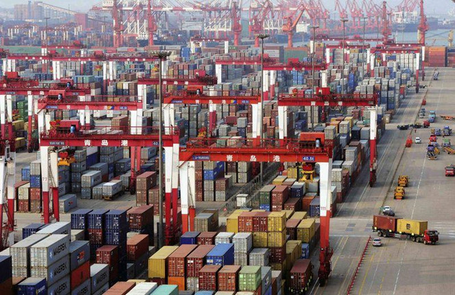 container tai cang qingdao o thanh dao, tinh son dong (trung quoc) anh: bloomberg