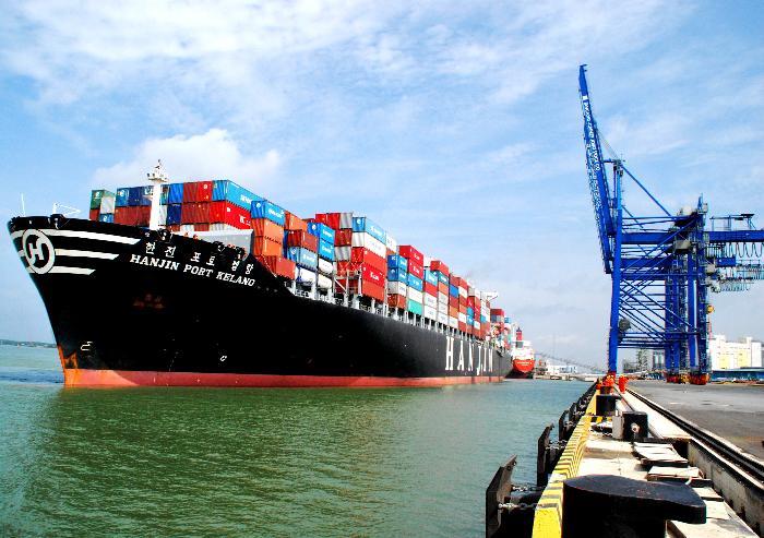Vì sao phí container từ Hải Phòng về Hà Nội đắt gấp 3 từ Hàn Quốc về Việt Nam?