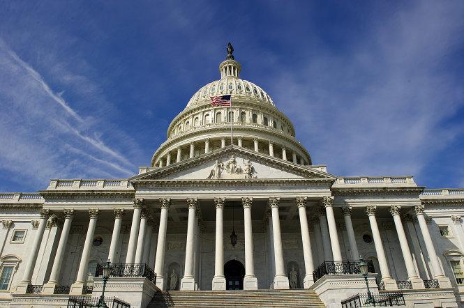 Quốc hội Mỹ đang tước đoạt quyền lực của ông Trump