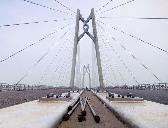 Thấy gì từ những cây cầu 'nhất thế giới' của Trung Quốc?