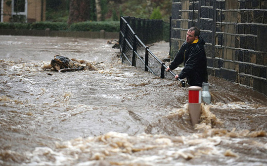 Lũ lụt tán phá hạt Yorkshire mùa đông vừa qua. Ảnh: Telegraph