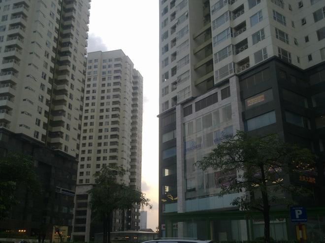 Hà Nội: Chung cư cao cấp báo cháy nổ bằng tiếng Anh