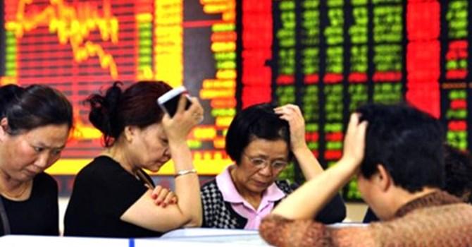 """Đằng sau những cuộc """"tháo chạy"""" trên thị trường chứng khoán Trung Quốc"""
