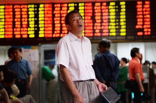 """Trung Quốc """"đóng băng"""" hoạt động IPO để cứu thị trường"""