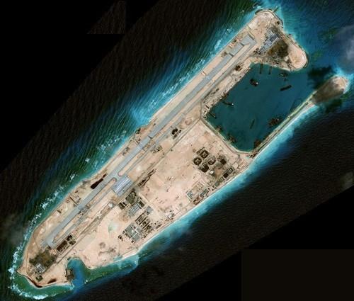 Trung Quốc có thể đưa máy bay ném bom chiến lược tới Đá Chữ Thập - ảnh 1