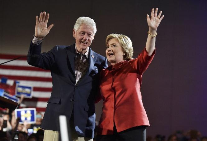 Tranh cử tổng thống Mỹ: Bà Clinton, ông Trump thắng bầu cử sơ bộ