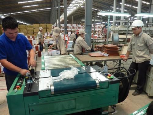 Công nghiệp có thành bệ đỡ cho lao động?