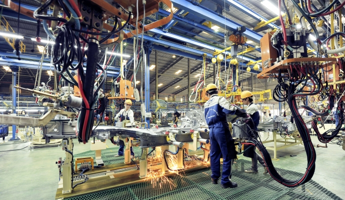 Công nghiệp ô tô Việt Nam: Chưa lớn, đã vội ...già