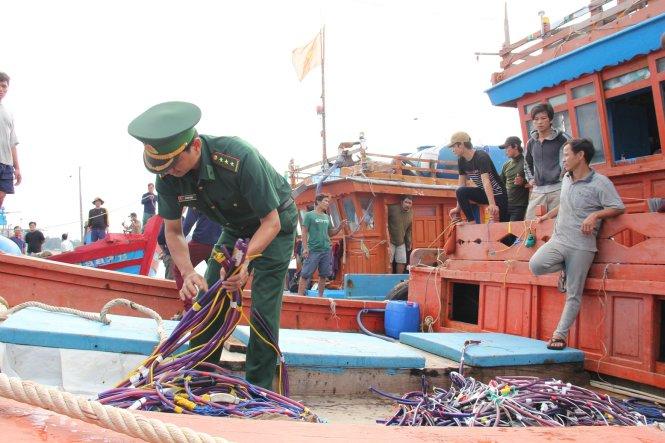 Tàu cá của Việt Nam liên tiếp bị tàu Trung Quốc tấn công