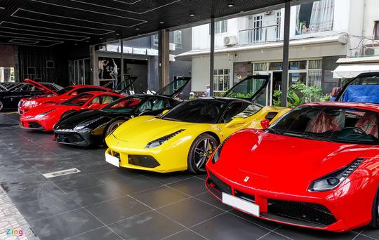 nhieu showroom kinh doanh xe nhap khau chuyen sang kinh doanh xe da qua su dung. anh: tntbros.