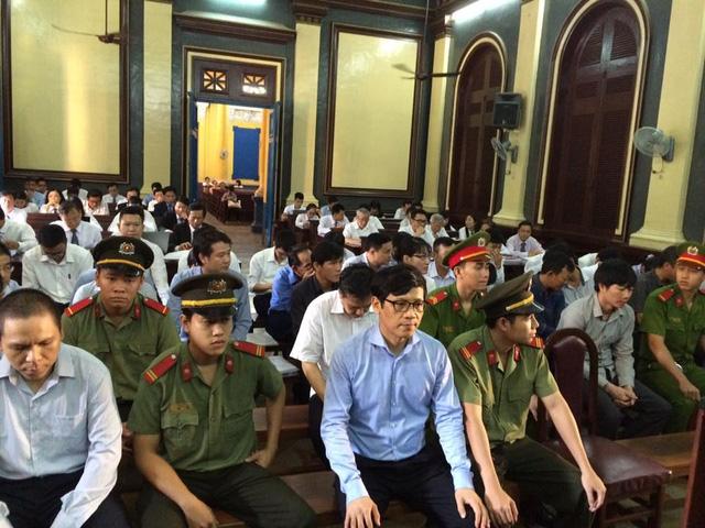 """Phiên tòa chiều 25/7: Phan Thành Mai khai được """"cảm ơn"""" 3,2 tỷ đồng sau khi làm Đề án tái cơ cấu"""