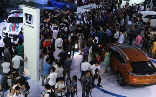 Việt Nam vượt mốc 1 tỷ USD nhập ôtô trong 6 tháng