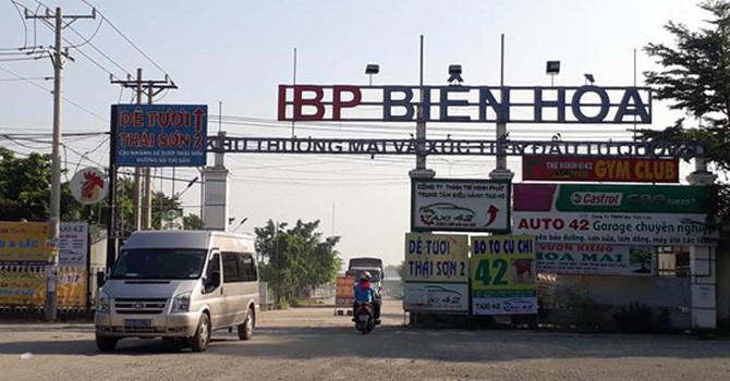 'Xẻ thịt' đất sân bay Biên Hòa