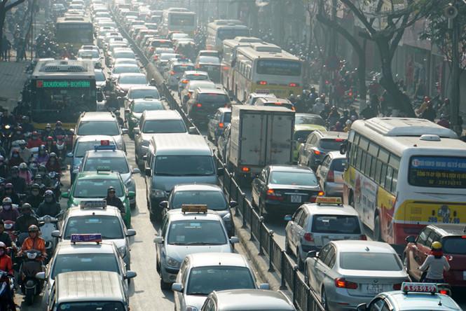 Đề xuất đấu thầu quyền mua ô tô tại Hà Nội
