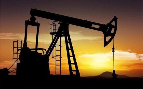 Giá dầu thô sụt giảm xuống mức thấp nhất 4 tháng