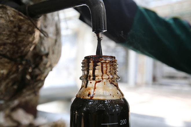 Giới đầu tư thận trọng với đà tăng của giá dầu