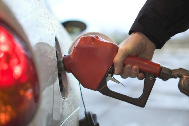 Giá dầu Brent tăng 4% nhờ số liệu kinh tế tích cực từ châu Âu