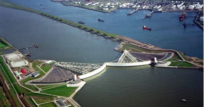 Người Hà Lan đã tạo ra hệ thống đê biển vĩ đại nhất hành tinh như thế nào?