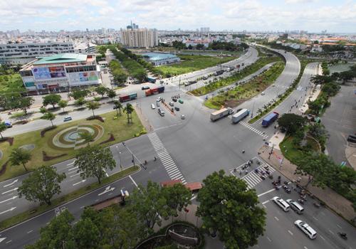 Địa ốc Sài Gòn rục rịch đổ về khu Nam