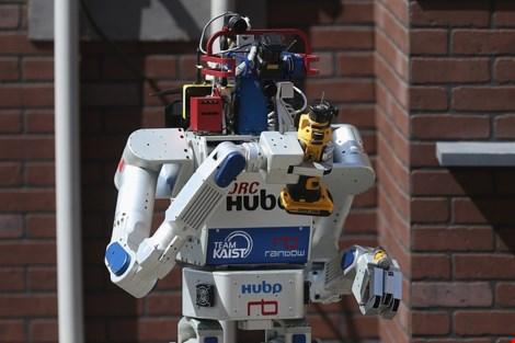 robot drc-hubo duoc han quoc thiet ke giup cuu tro tham hoa. anh: getty images