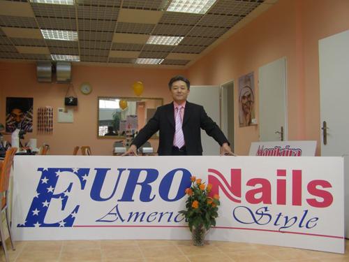 Ông chủ Việt sở hữu 20 tiệm nail ở Czech