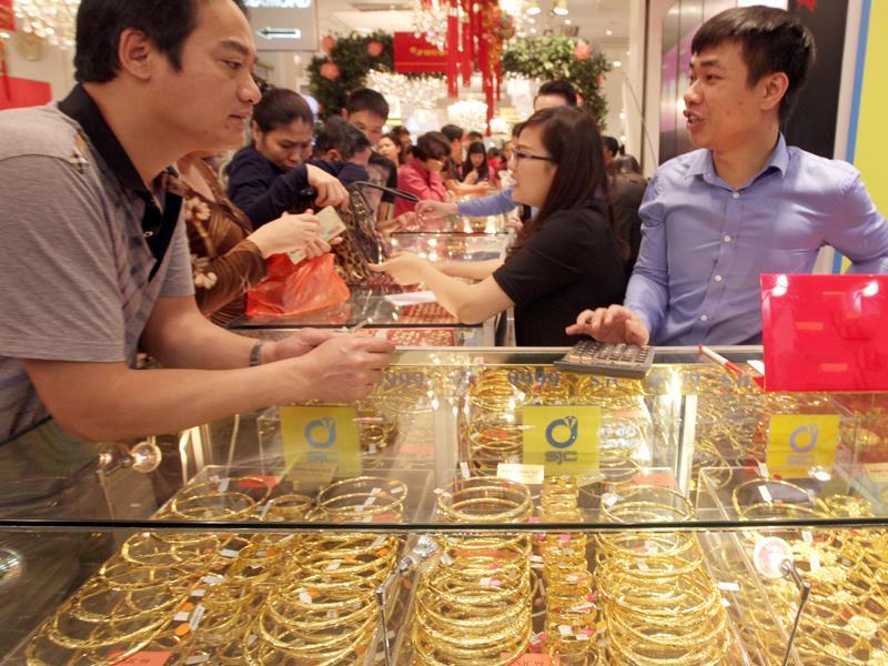Lợi - hại gì khi doanh nghiệp huy động vàng trong dân?