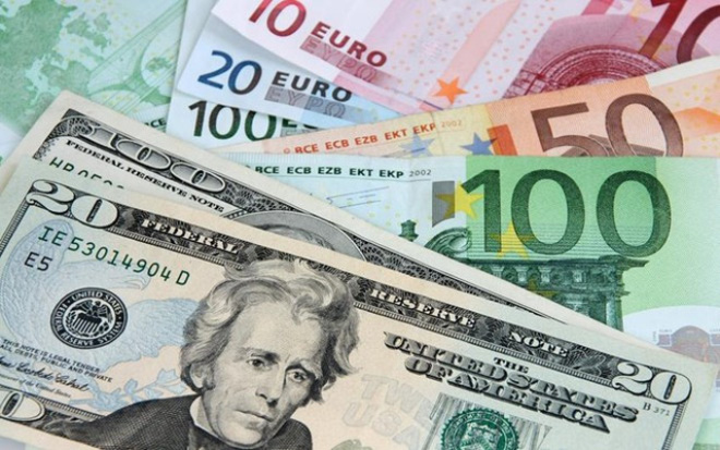 Chính sách quản lý lãi suất tiền gửi trái chiều giữa Fed và ECB