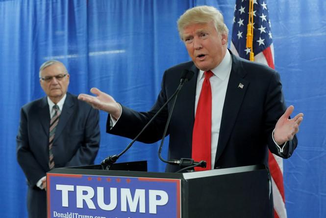 Tổng thống Mỹ nổi giận vì bị cản đánh thuế hàng Trung Quốc