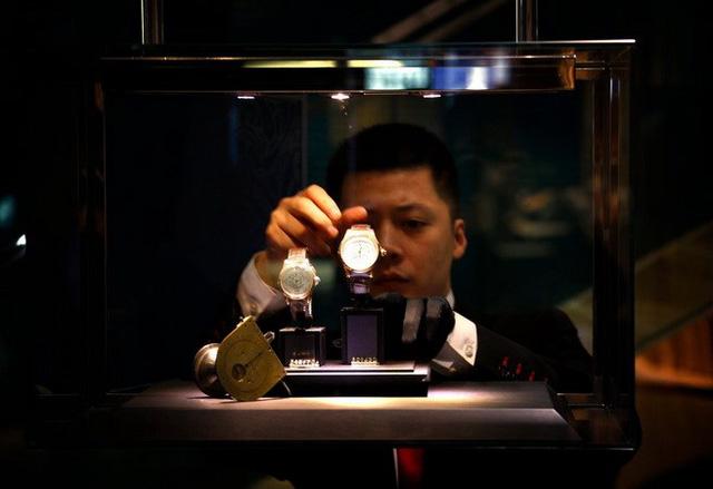 Đồng hồ Thụy Sĩ và cuộc chiến chống hàng nhái tinh vi tại Trung Quốc