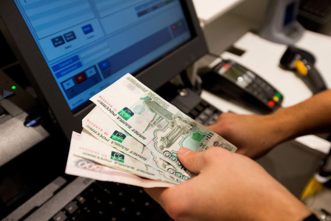 Đồng Ruble lao dốc, hệ thống bán lẻ Nga có nguy cơ sụp đổ?